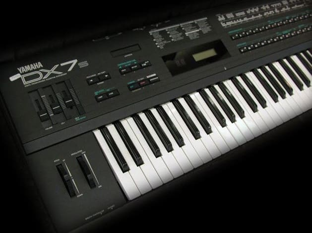 sintetizador digital DX7