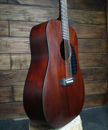 violão de mogno